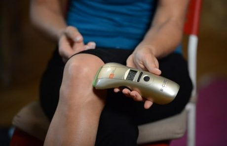 לא מגיע לכם לסבול: המכשיר שזוכה לשבחים גם בקרב הרופאים מנצח את הכאבים, ולכם יש הזדמנות לנסות אותו אצלכם בבית