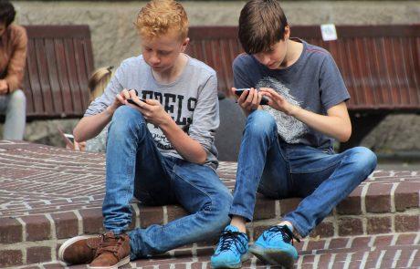 בלי לקרוע את הכיס: לבחור סמארטפון לילד באופן הכי חכם