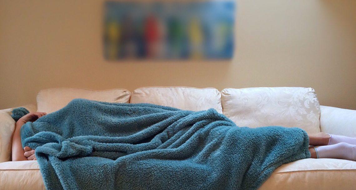 רוצים להפסיק לישון בסלון ? תתחילו לישון כמו שצריך